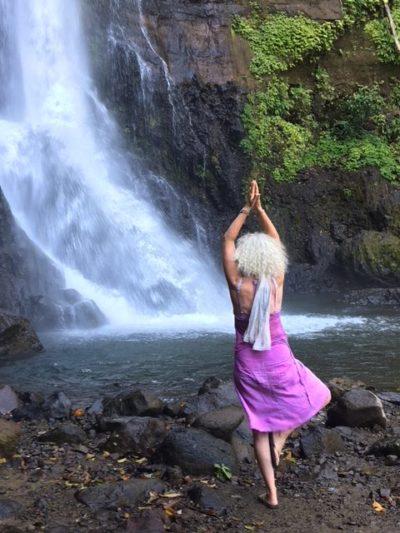 Lavendel Yoga Yfke in Bali